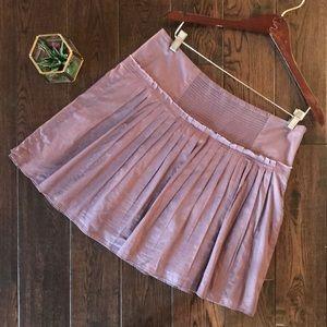 Banana Republic mauve pleated skirt elastic waist